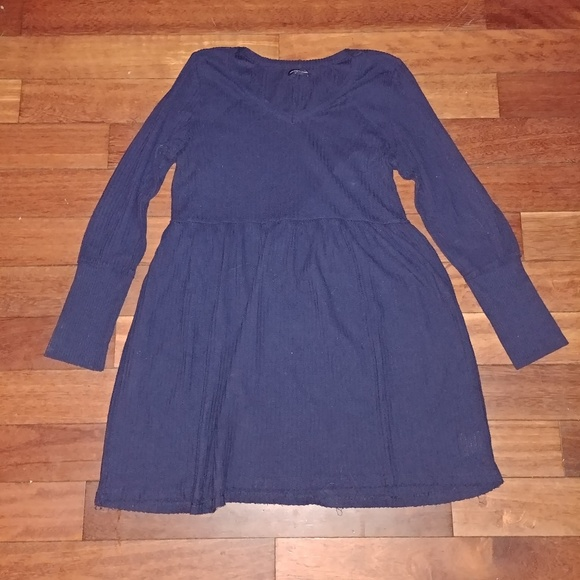 American Eagle Outfitters Dresses & Skirts - American Eagle Babydoll sweater dress *like new*